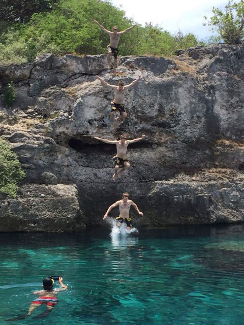 philippines-cebu-moalboal-cliff-jumping